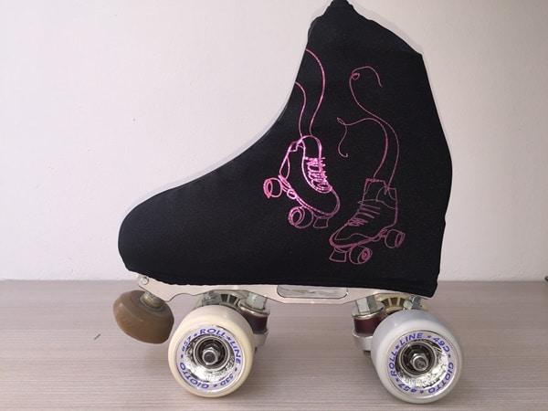 outlet-patín-Fundas negras patines lilas